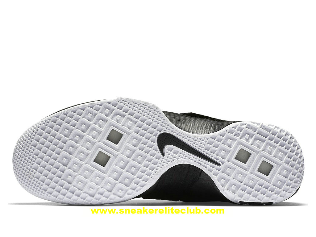 Chaussures Nike Zoom LeBron Soldier 10 Pas Cher Pour Homme NoirBlanc 844380_001